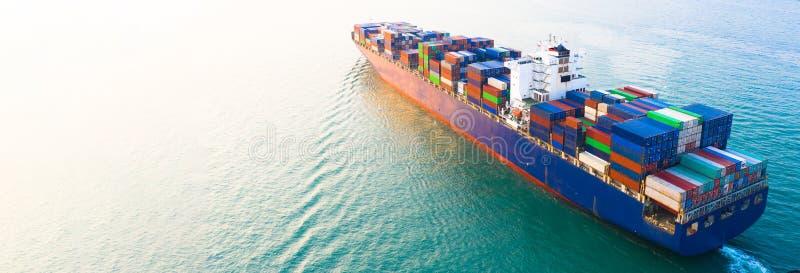 Flyg- behållare för skepp för behållare för sidosikt bärande i den logistiska importexportaffären och trans. av internationellt f fotografering för bildbyråer