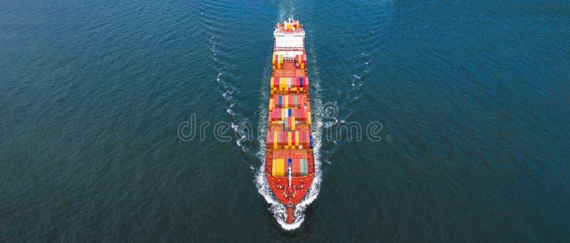 Flyg- behållare för skepp för behållare för sidosikt bärande i den logistiska importexportaffären och trans. av internationellt f royaltyfria bilder
