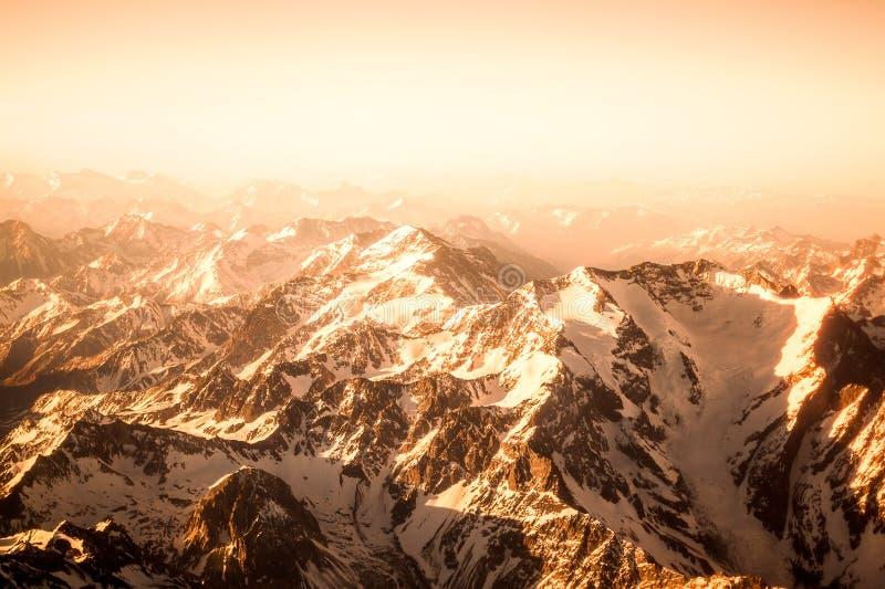 flyg- bergsikt fotografering för bildbyråer