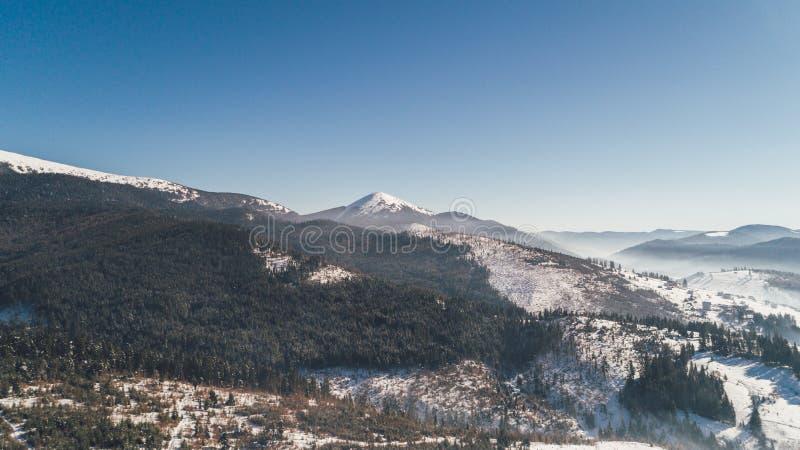 flyg- bergsikt snow Vinter arkivfoto