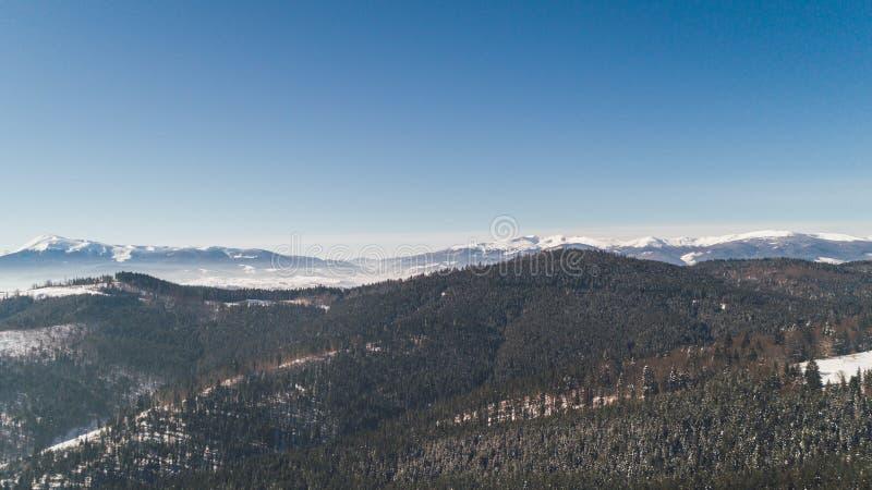 flyg- bergsikt snow Vinter royaltyfri bild