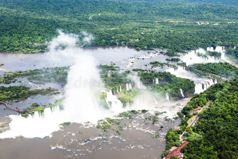 Flyg- bild av Iguazu Falls, Argentina, Brasilien royaltyfria bilder