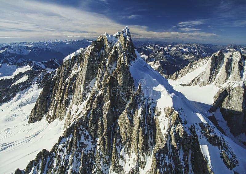 Flyg- bild av Mt Waddington F. KR., Kanada royaltyfri bild