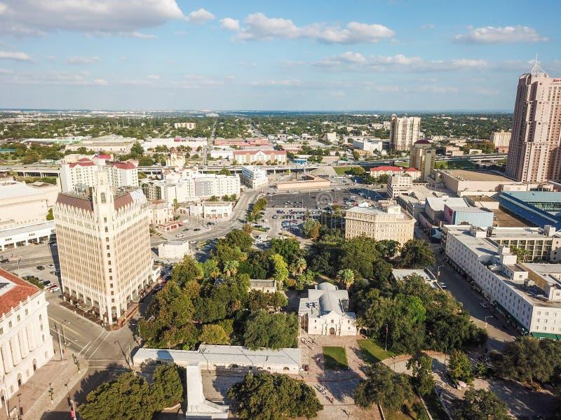 Flyg- Cityscape av i stadens centrum San Antonio, Texas Facing Towards E royaltyfria foton