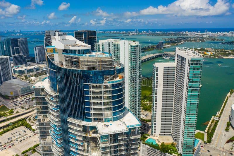 Flyg- closeupbild Paramount Miami Worldcenter royaltyfria bilder