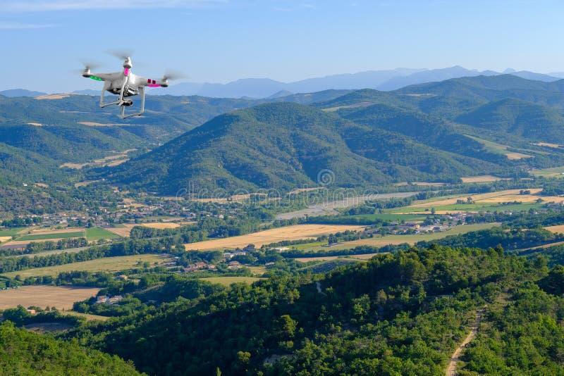 Flyg- landskap av bygd på Provence royaltyfri fotografi