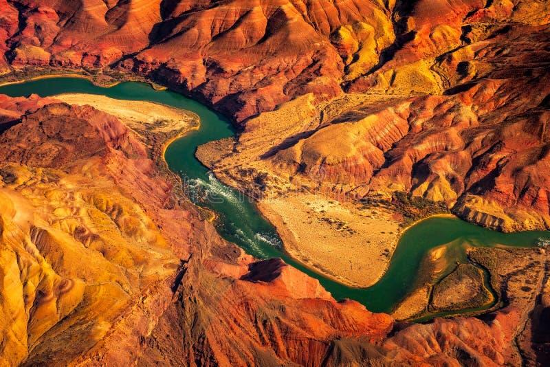 Flyg- landskapsikt av Coloradofloden i Grandet Canyon, USA royaltyfri fotografi