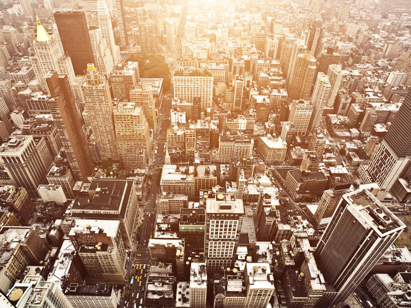flyg- manhattan solnedgångsikt royaltyfri foto