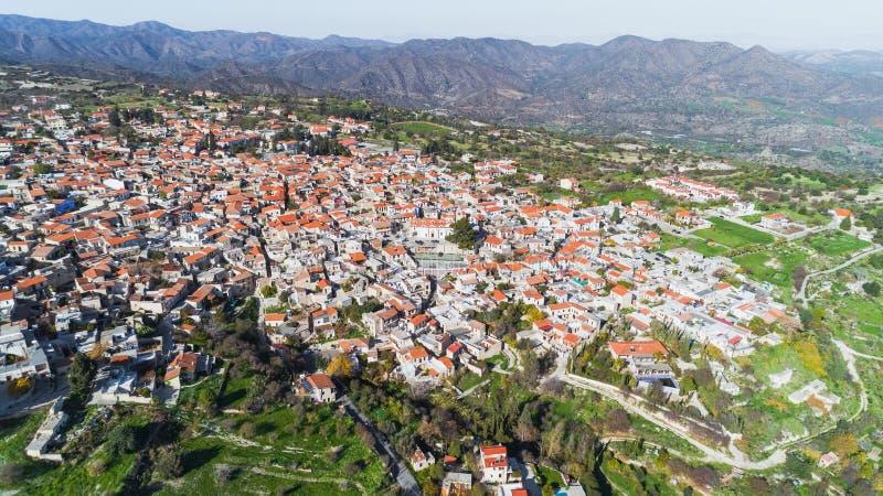 Flyg- Pano Lefkara, Larnaca, Cypern arkivbild