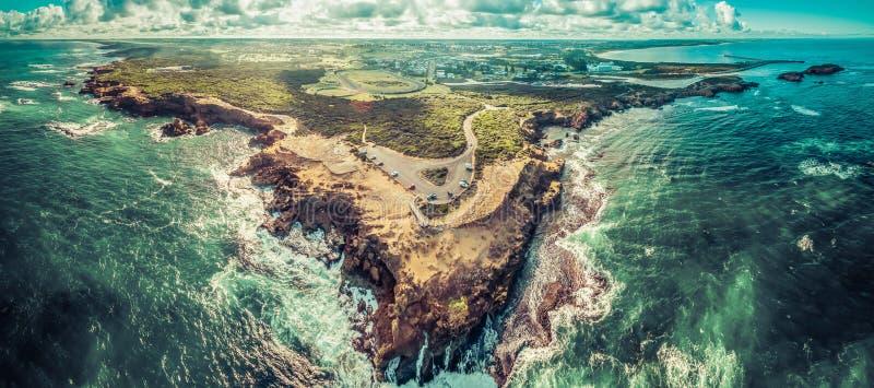 Flyg- panorama av åskapunktutkik och Warrnambool arkivfoton