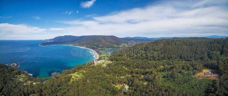 Flyg- panorama av den Eaglehawk halsen, Tasmanien royaltyfria bilder