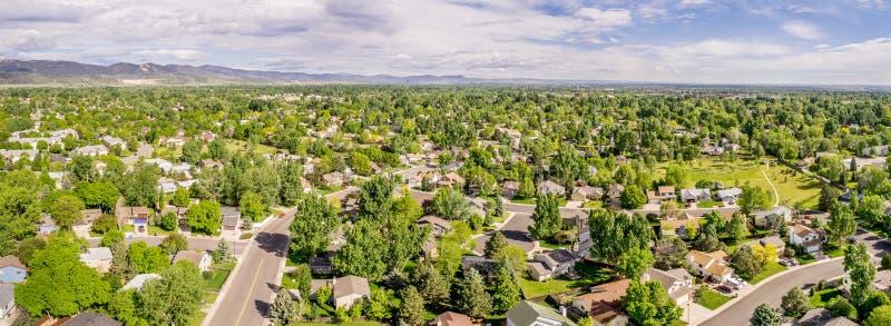 Flyg- panorama av Fort Collins royaltyfria bilder