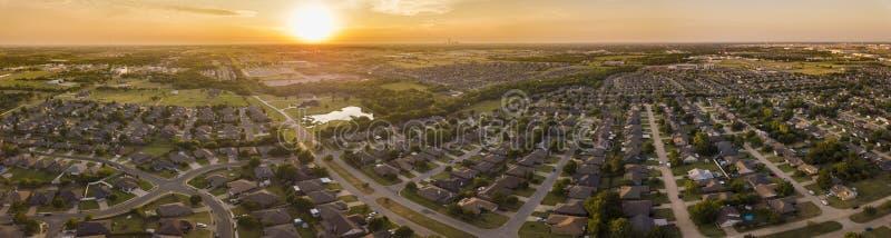 Flyg- panorama av planerad utveckling och grannskapar i Okla fotografering för bildbyråer