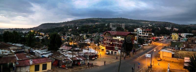 Flyg- panoramasikt till den gamla Harar stadsaka jugolen på soluppgång Etiopien royaltyfri bild