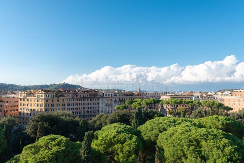 Flyg- panoramautsikt av Rome, Italien arkivbild