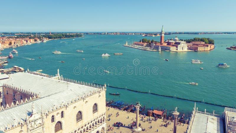 Flyg- panoramautsikt av Venedig, Italien arkivfoton