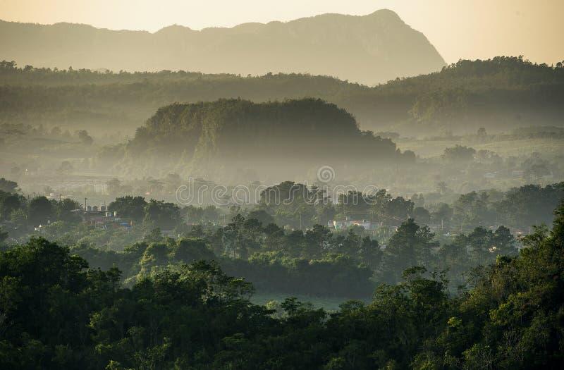 Flyg- sikt över den Vinales dalen i Kuba arkivfoto