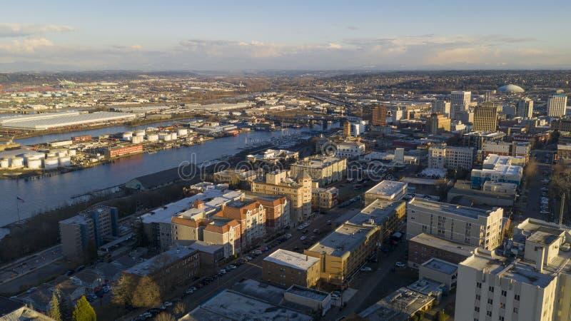 Flyg- sikt över i stadens centrum Tacoma Washington Thea Foss Waterway royaltyfria foton