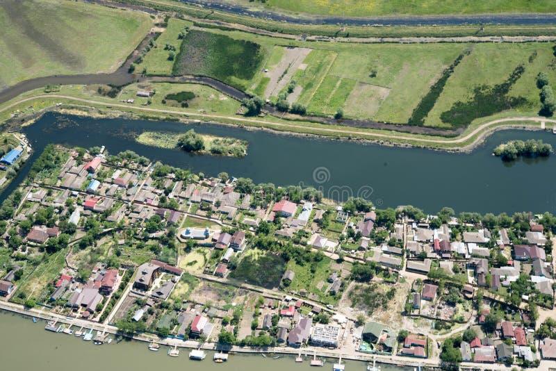 Flyg- sikt över Mila23 by för mil 23, i Donaudeltan royaltyfria bilder