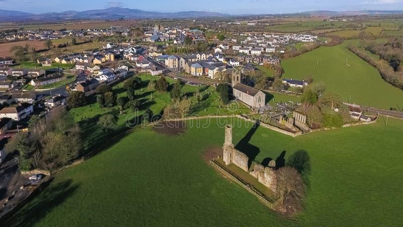 flyg- sikt Abbotskloster och domkyrka för St Mary ` s ferns Co Wexford ireland arkivbilder