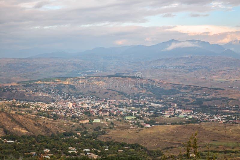 Flyg- sikt av Akhaltsikhe, Georgia royaltyfria foton