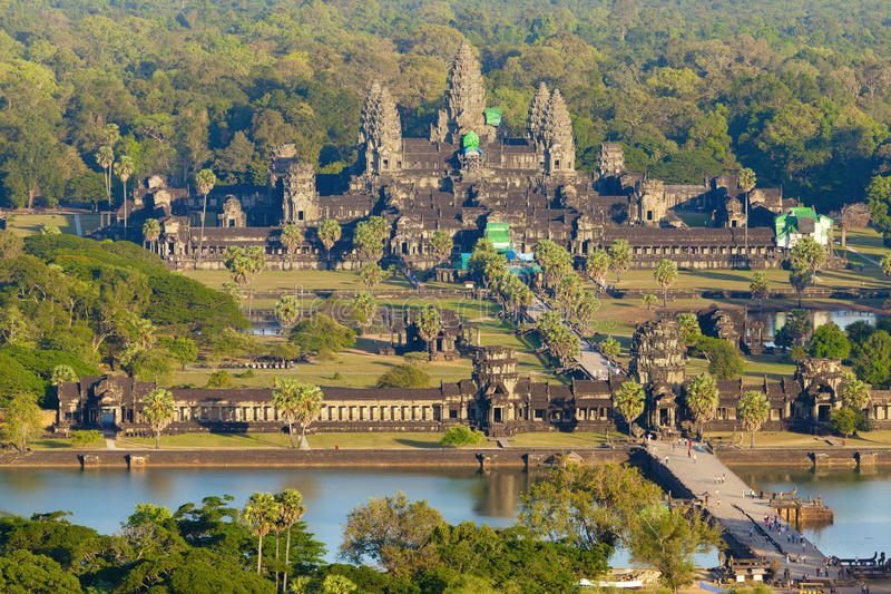 Flyg- sikt av Angkor Wat royaltyfria foton