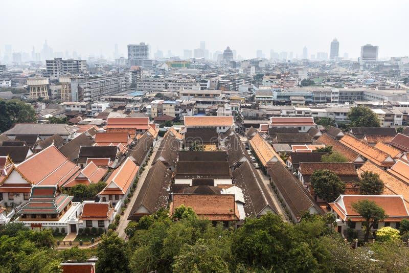 Flyg- sikt av Bangkok från Wat Saket royaltyfri bild