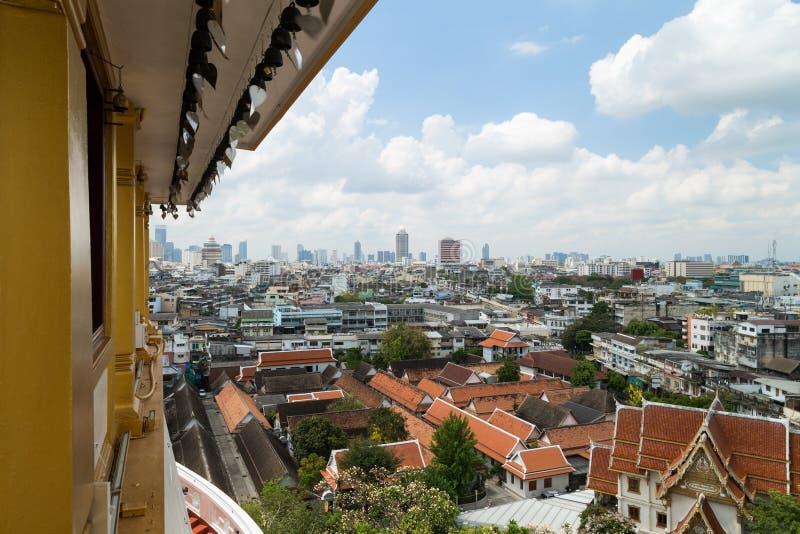 Flyg- sikt av Bangkok från Wat Saket royaltyfria foton