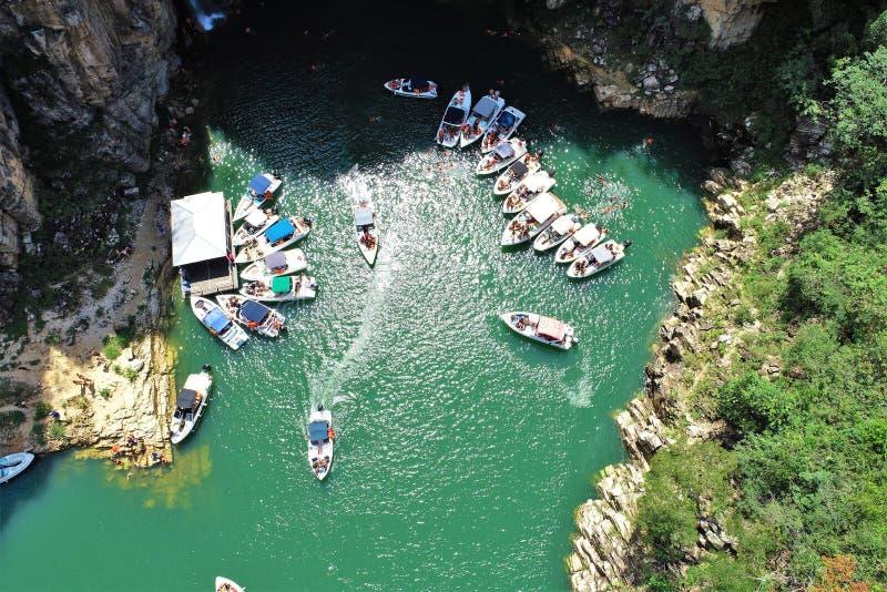 Flyg- sikt av ber?mda kanjoner av Capitolios lagun arkivfoto