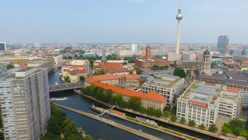 Flyg- sikt av Berlin horisont, Tyskland royaltyfria bilder