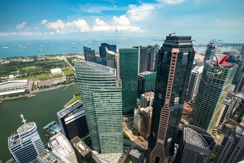 Flyg- sikt av byggande för skyskrapor för Singapore affärsområde fotografering för bildbyråer