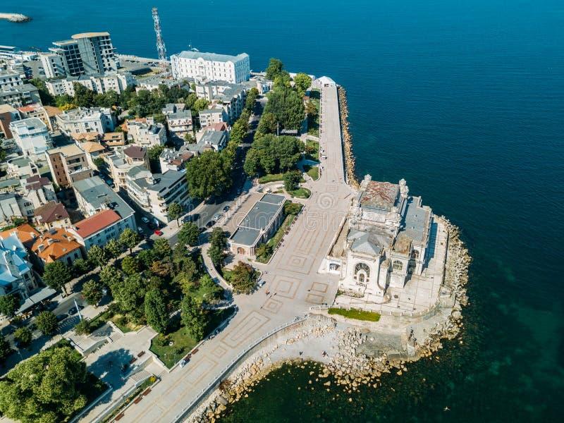 Flyg- sikt av Constanta stadshorisont av Rumänien arkivfoto