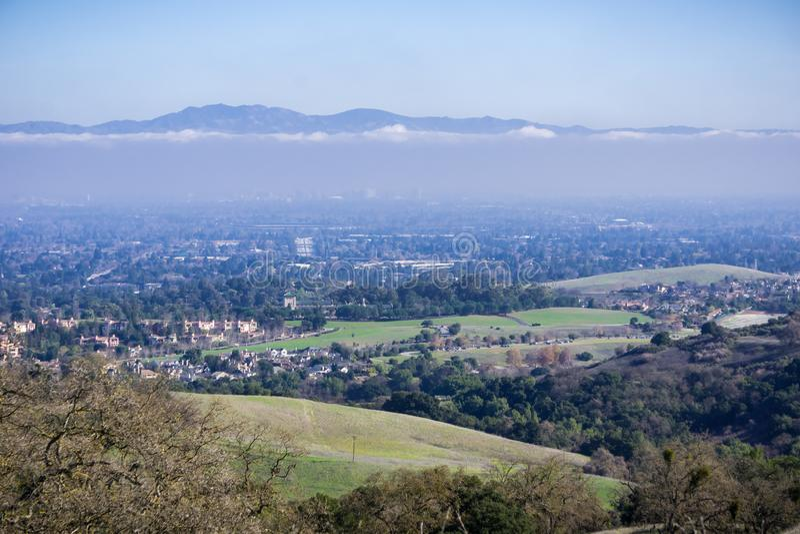 Flyg- sikt av Cupertino och San Jose, Silicon Valley arkivfoto