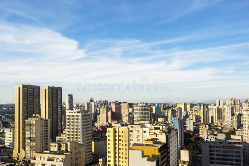 Flyg- sikt av Curitiba, Parana, Brasilien arkivbilder