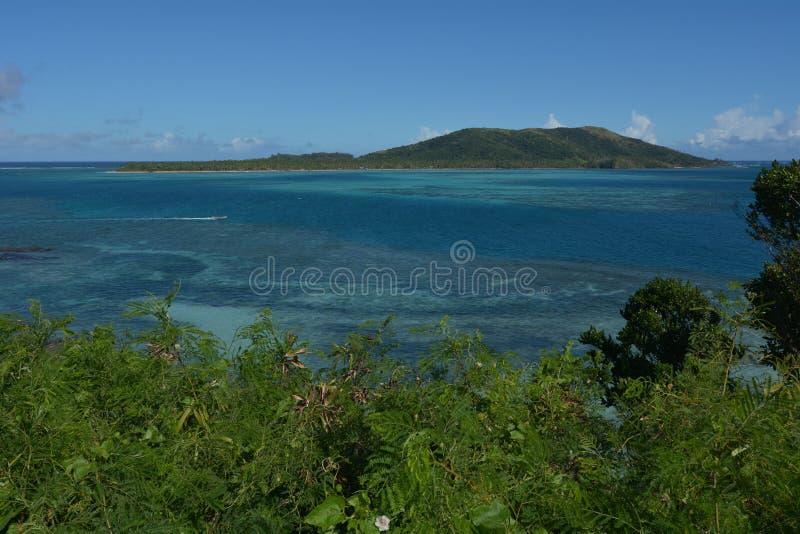 Flyg- sikt av de Yasawa öarna i Fiji fotografering för bildbyråer
