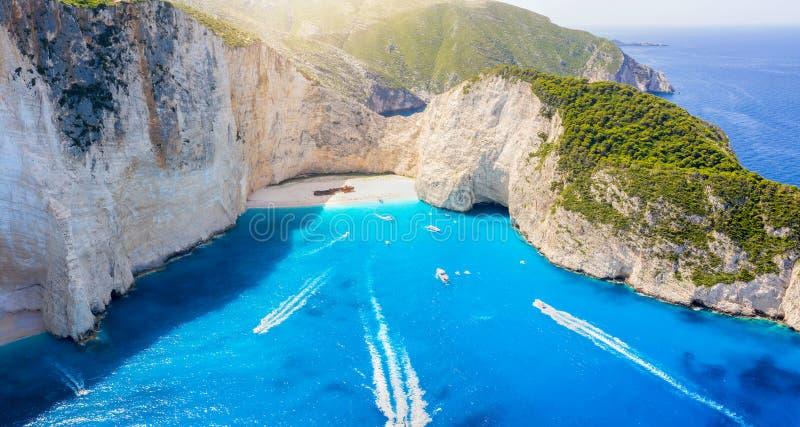 Flyg- sikt av den berömda skeppsbrottstranden av den Zakynthos ön, Grekland royaltyfri fotografi