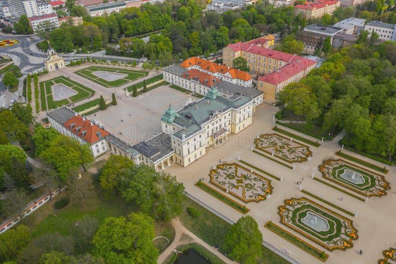 Flyg- sikt av den Branicki slotten i Bialystok arkivfoton