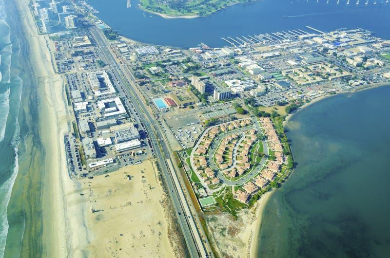 Flyg- sikt av den Coronado ön, San Diego arkivfoton