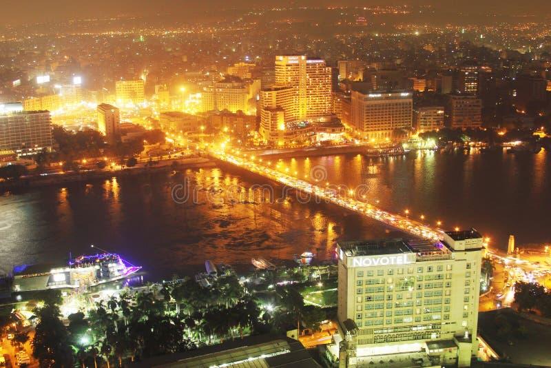 Flyg- sikt av den Egypten cairo natten