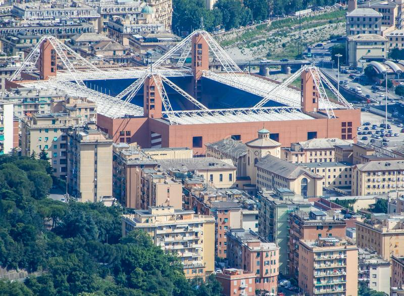 Flyg- sikt av den fotbollsarena`-Luigi Ferraris `en av Genua, Genova, Italien I detta stadionlekSerie A lag av Genoa Cricke arkivbild
