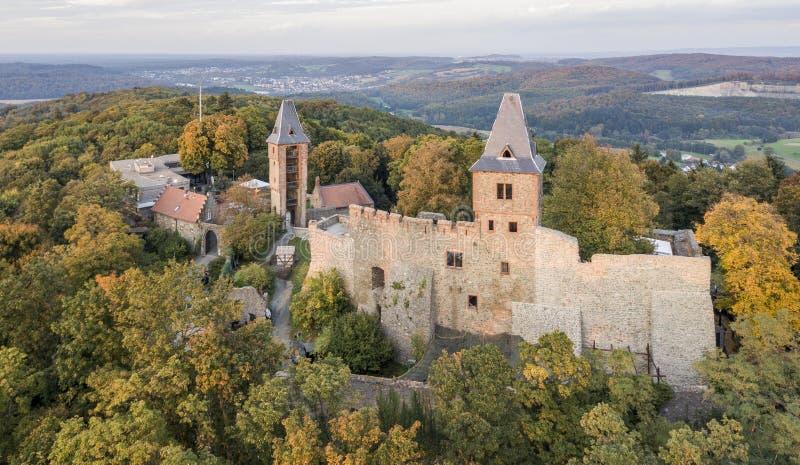Flyg- sikt av den Frankenstein slotten i den sydliga Hessen, Tyskland arkivbilder