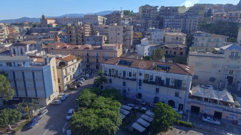 Flyg- sikt av den härliga kusten av Calabria, Italien royaltyfri fotografi