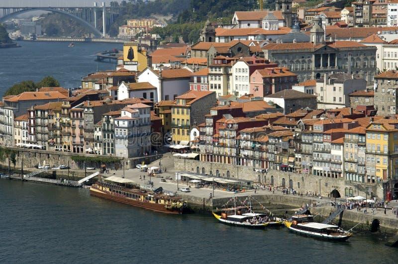 Flyg- sikt av den historiska mitten av staden Porto  royaltyfri foto