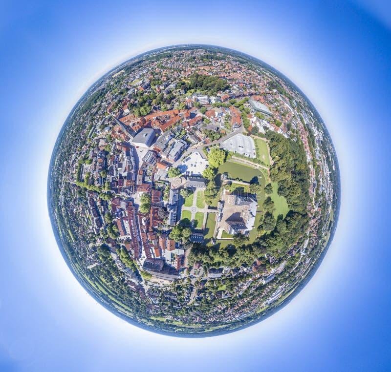 Download Flyg- Sikt Av Den Historiska Staden Ahaus I Westphalia, Tyskland Fotografering för Bildbyråer - Bild av slott, landskap: 106836431