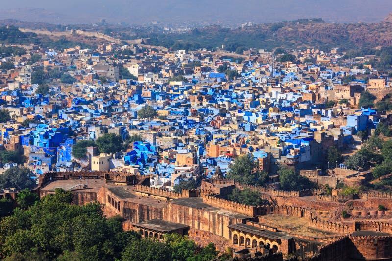 Flyg- sikt av den Jodhpur blåttstaden Jodphur Rajasthan, Indien royaltyfri fotografi