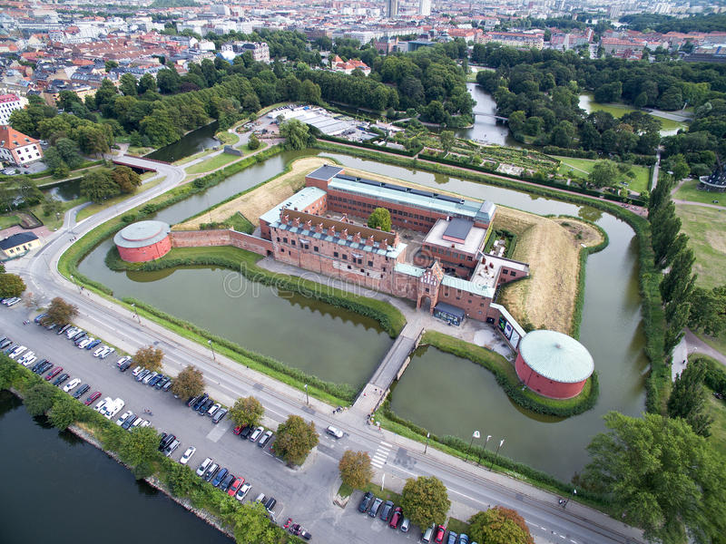 Flyg- sikt av den Malmoe slotten, Sverige royaltyfri fotografi
