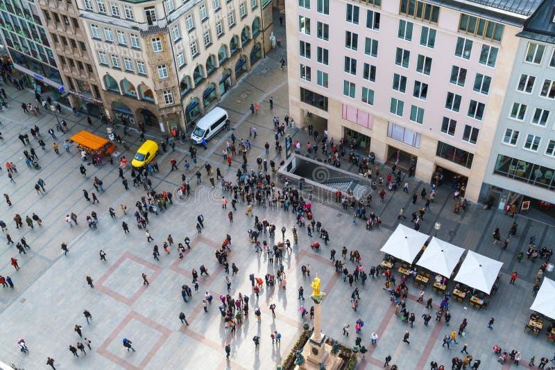 Flyg- sikt av den Marienplatz och Munich staden, Bayern, Tyskland royaltyfria foton