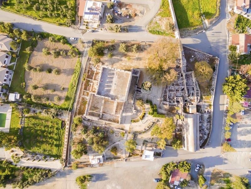 Flyg- sikt av den medeltida slotten av Kolossi, Limassol, Cypern arkivfoto