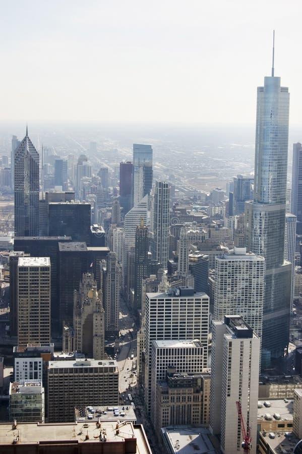 Flyg- sikt av den Michigan avenyn i Chicago arkivfoton