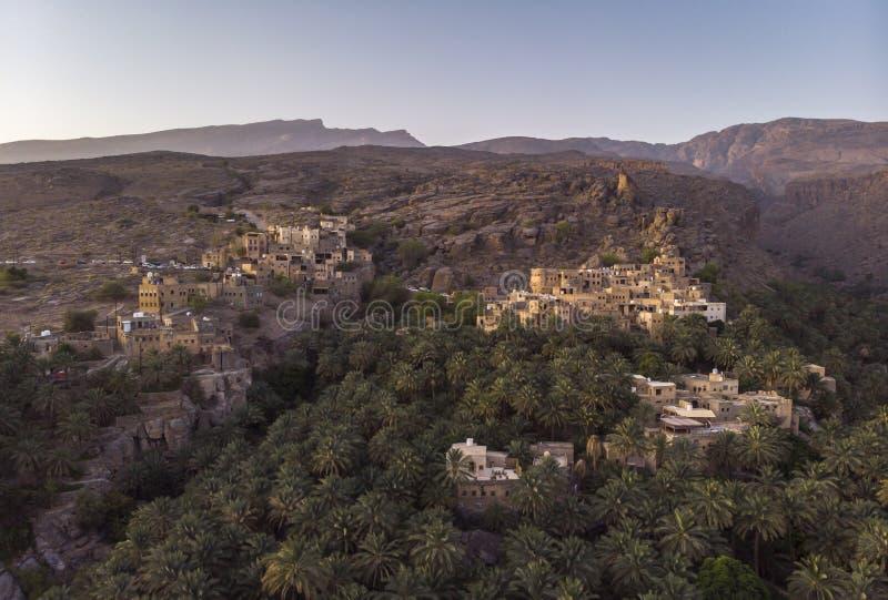 Flyg- sikt av den Misfat alAbriyeen byn arkivfoto